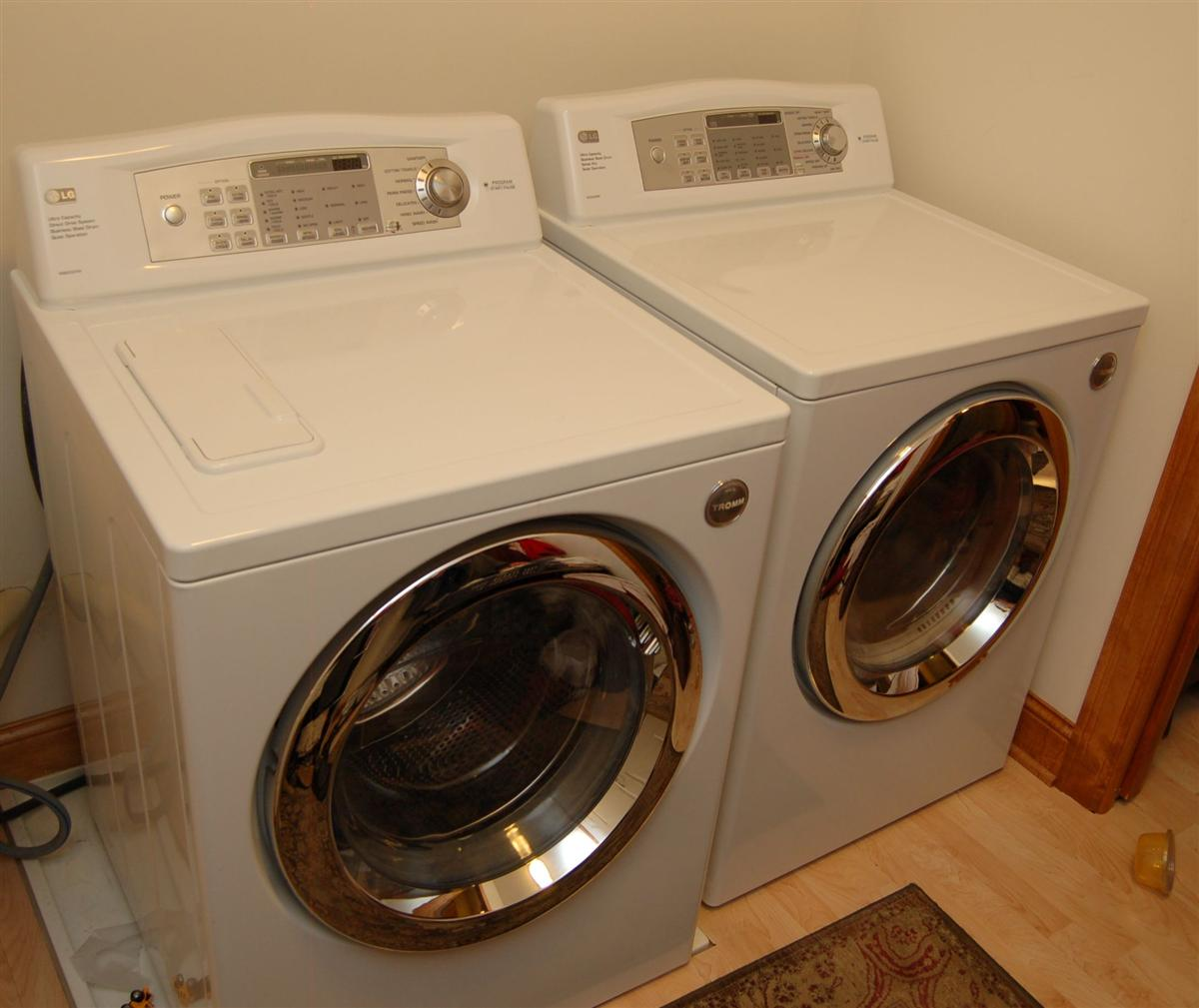 Washer and dryer combo for small spaces american hwy - Small space washing machines set ...